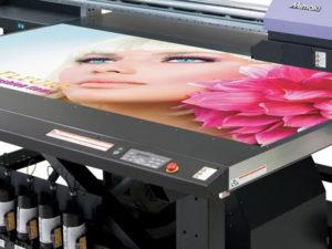 GRAND-FORMAT-Table-impression-UV-a-plat-rps-imprimerie-val-oise